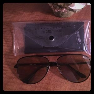 Quay Sunglasses with case and lens cleaner